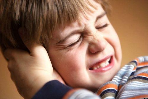 biến chứng nguy hiểm viêm tai giữa trẻ em