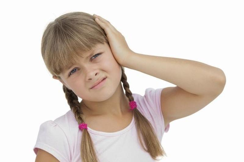 triệu chứng dấu hiệu của viêm tai giữa